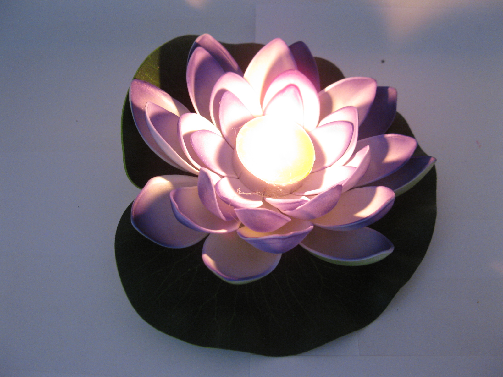 25 Purple Floating Lotus Flower with Candle Wedding Decoration [we f143] $4